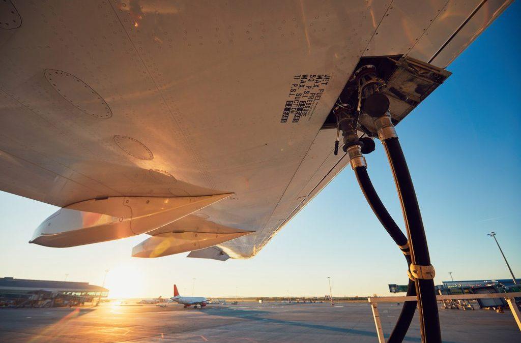 Científicos de la Universidad de Oxford convierten con éxito CO2 en combustible para aviones