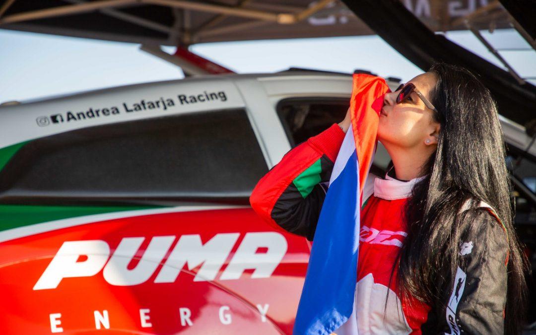 La paraguaya Andrea Lafarja participó del shakedown previo a la carrera