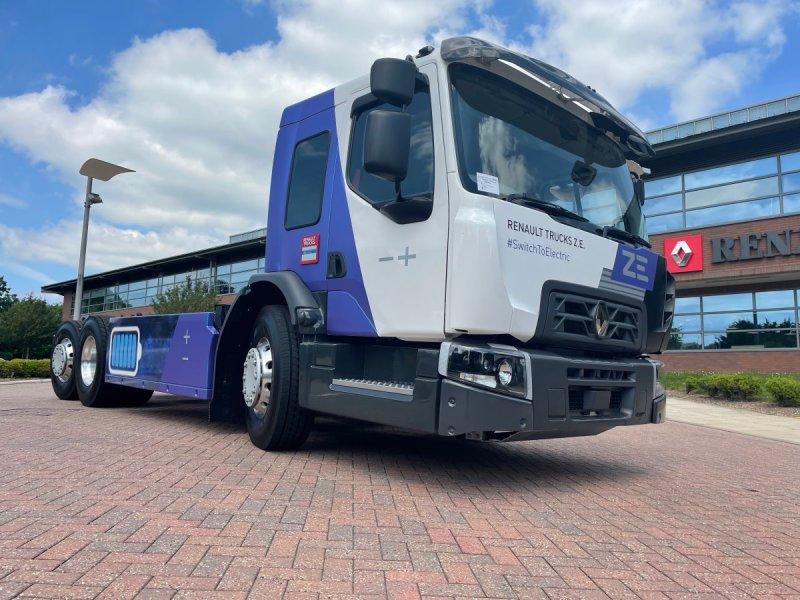 Renault presenta camión eléctrico con cabina baja