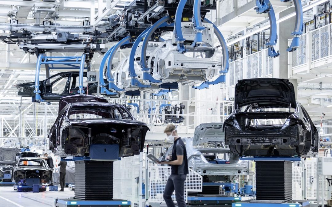 Mercedes-Benz sigue el camino de Volvo y ya está en busca del acero verde para la fabricación de sus coches