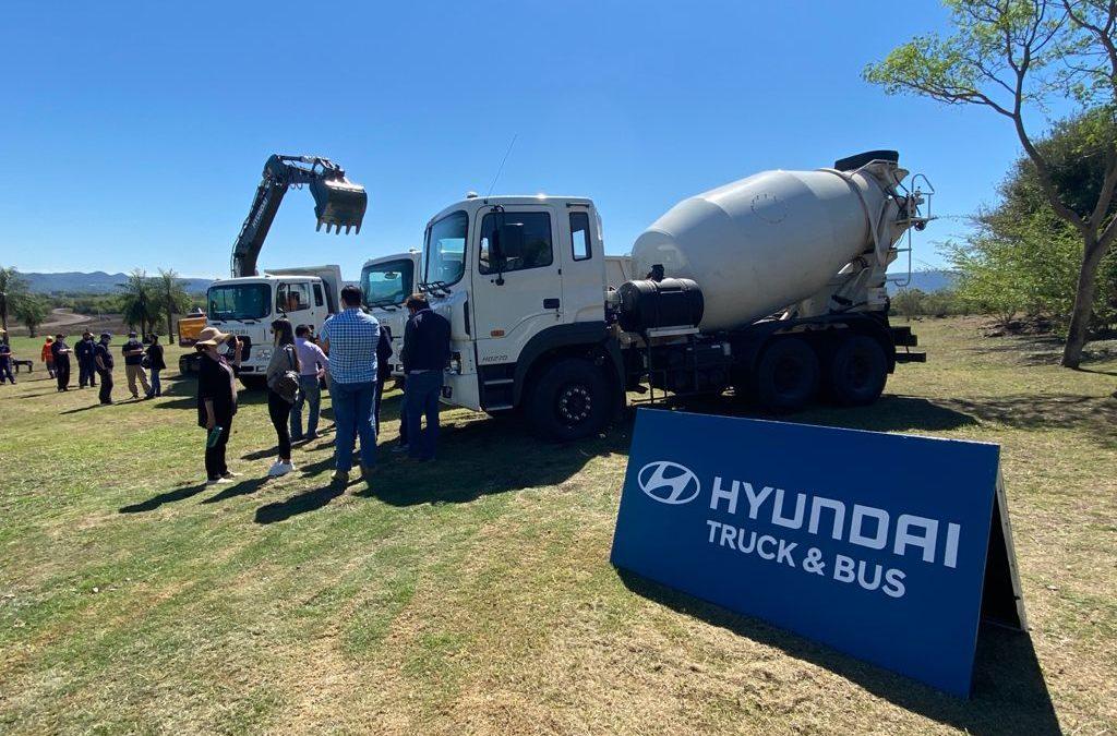 Maquinarias y Camiones Hyundai, en Demostración Exclusiva en LT Vial SA