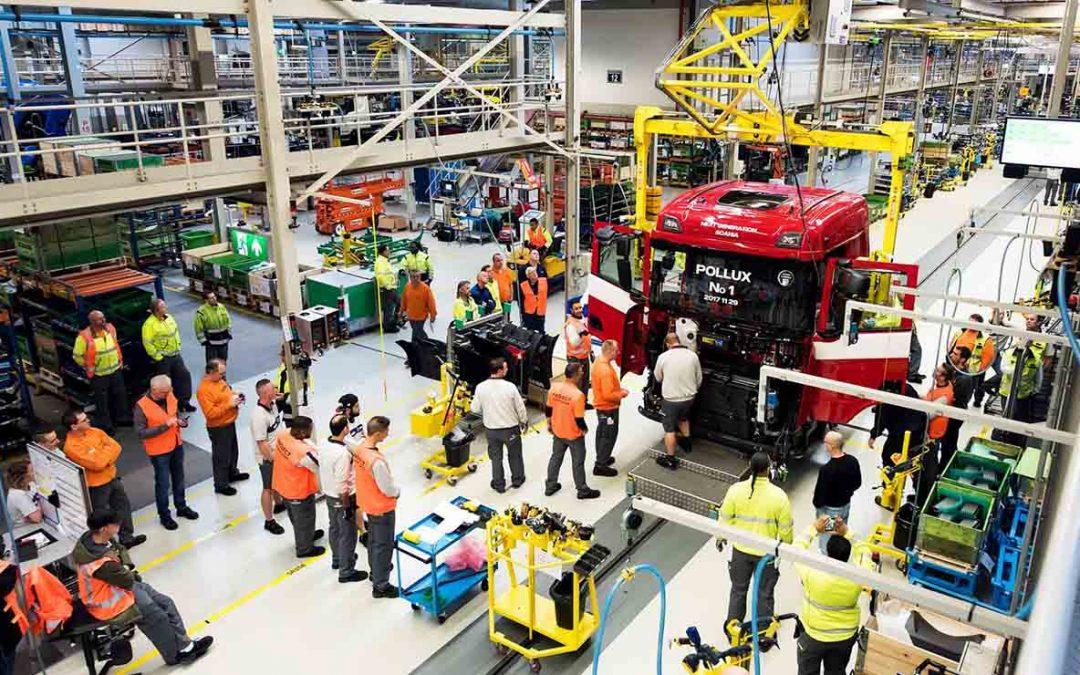 Scania deja de fabricar camiones en Europa por falta de chips