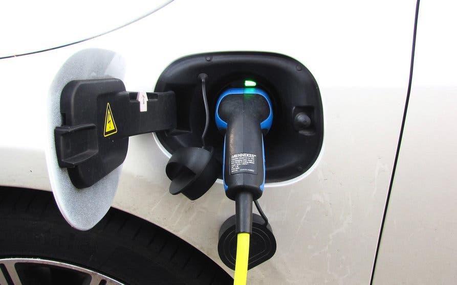 La Unión Europea da un toque de atención al Gobierno por la falta de vehículos eléctricos